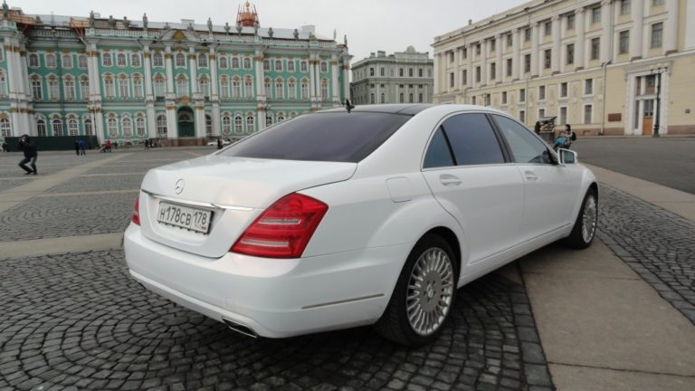 Mercedes S-class (W221)